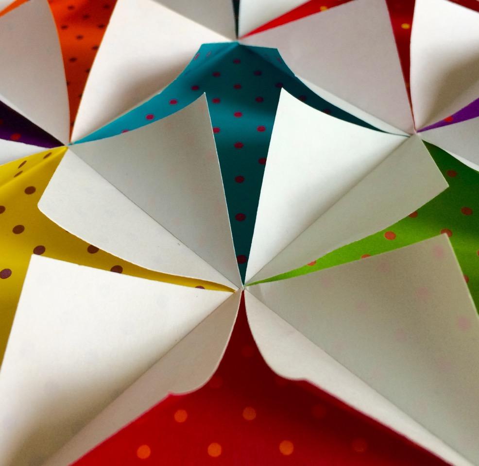 Pappersarbete – en utställning av Petra Carlsten Eygun
